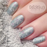 52d42-blue2bsnowy2bnails