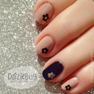 4f26c-purple2bflower2bnails