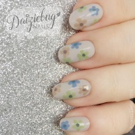 2160f-flower2bnails